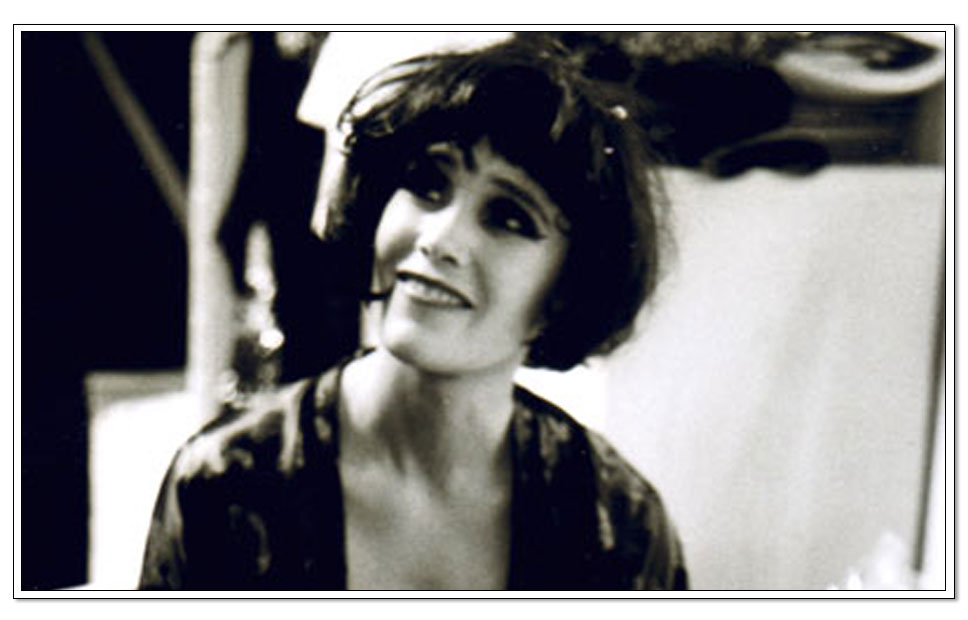 Helene Berg as Fifi/Loco baletten